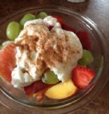 Fruit salad with yogurt-cinnamon dressing