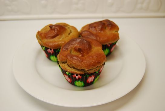 Low Carb & Gluten Free Cinnamon-Chia Muffins: Just 9.9 carbs and 183 calories!