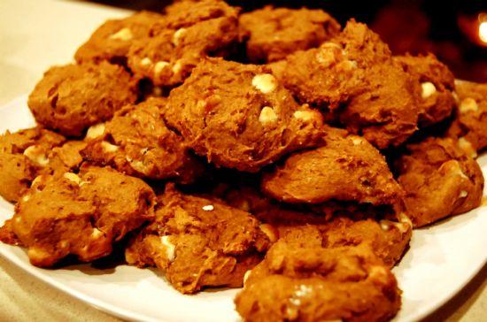 White Chocolate Chip Pumpkin Spice Cookies