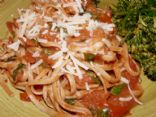 Whole Wheat Linguine with Shrimp in a Spicy Red Tomato Sauce