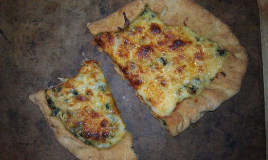 girls' wicked garlic spinach dip pizza