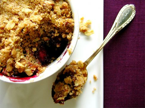Apple and berry crumble, vegan, gluten and nut free
