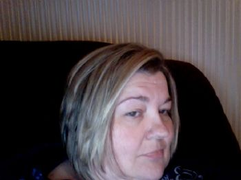 Female haircut stories salon
