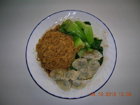 Wonton Noodle, Chicken & Garlic Mini Wontons & Choy Sum