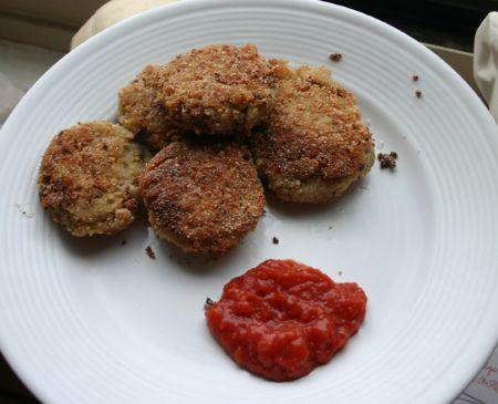 Find the recipe for Salmon Cakes with Tarragon-Chive Dipping Sauce and ...