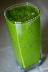 Kale Smoothie With Fruit, PB & Milk