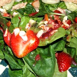 Spinach & Strawberry salad with Kiwi