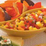 Mango Peach Salsa (Salsa de mango y durazno)