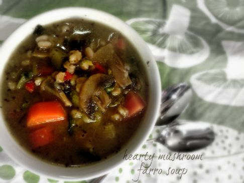 hearty mushroom farro soup