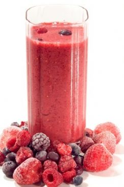MIXED BERRIES N' SPINACH SHAKE
