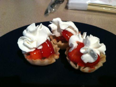 Two Bite Strawberry Pies