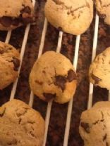  Wheat Free Vegan Protein Chocolate Chip Cookies. (by RHONDA2277)