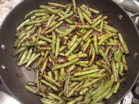 Bacon, Shallot & Rosemary Green Beans (Paleo-friendly!)