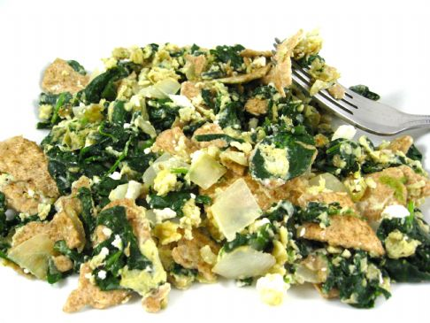 Skinny Matzo Brei with Fresh Spinach, Garlic, and Onions