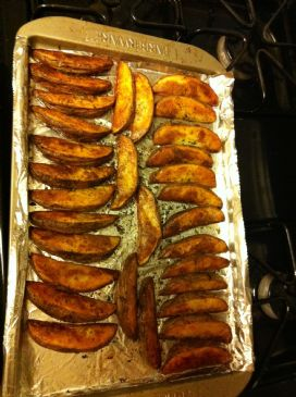 Baked potato wedges w parsley