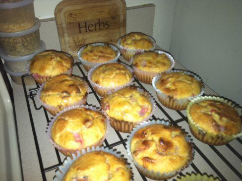 White Chocolate Strawberry-Banana Muffins (low carb)