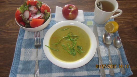 Split Pea Soup with Pork Bone