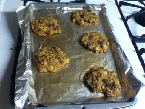 Banana Oat Cookies w/ raisins and almond butter