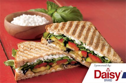 Roasted Veggie Sandwiches from Daisy Brand�