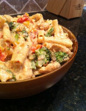Spicy Creamy Chicken Veggie Pasta