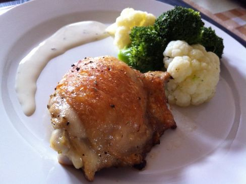 Roasted chicken thigh w herbs & steamed veg