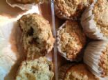 Oat muffins with dates and wheat germ