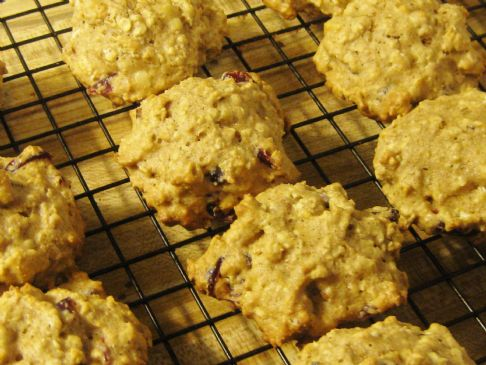 Thick Oatmeal Craisin Cookies