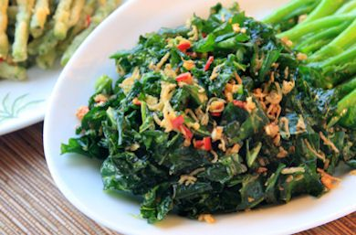 Crispy Garlic Kale with Chorizo and Beans