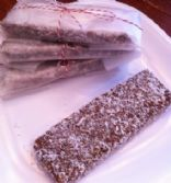 Energy bars (gluten-free, low-carb, sugar-free, vegetarian/vegan)