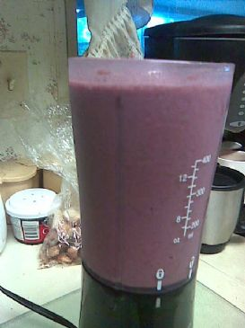 Super Green BlackBerry Cranberry  yogurt smoothie