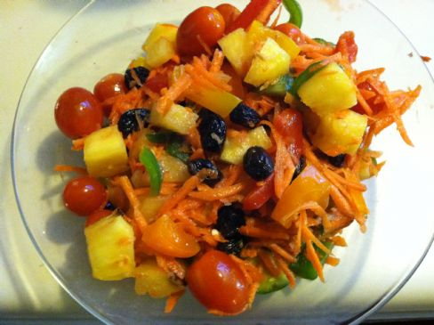 Sweet and tangy carrot / pineapple salad