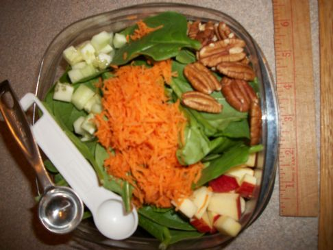 Crunchy Spinach-Apple Salad