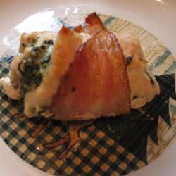 MAKEOVER: Pesto Chicken wrapped in Bacon (by EBL1112) (by EBL1112)